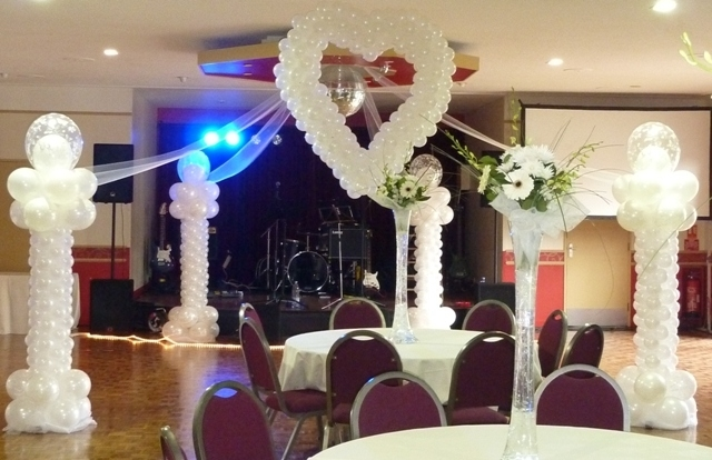 Wedding Balloons in London for Weddings by professional balloon suppliers and decorators
